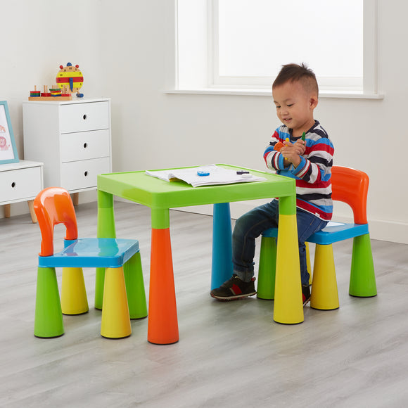 This table and 2 chair set is a chunky and funky design, letting your kids to play, do arts and crafts or have picnics.