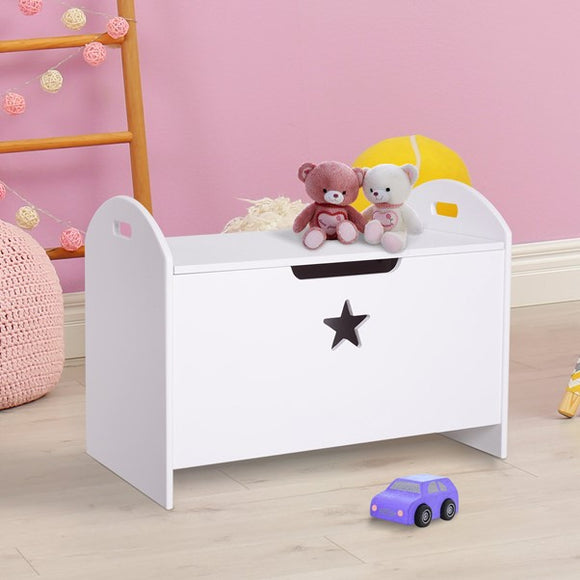 This toy box offers ample storage space to hold all toys, books, clothes, or any other bits & bobs
