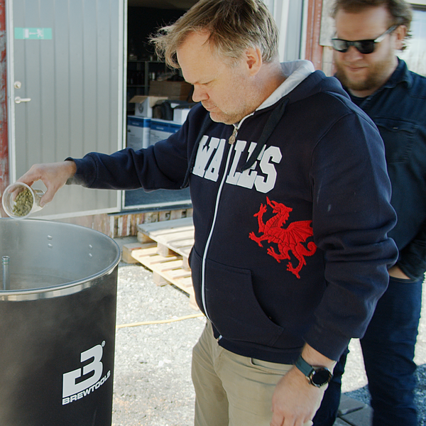Scrooge, with the welsh international hoodie day, for the honor of pouring the first round of hops,