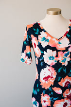 Load image into Gallery viewer, Wunder Dress in Floral