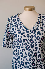 Load image into Gallery viewer, Wunder Dress in Leopard
