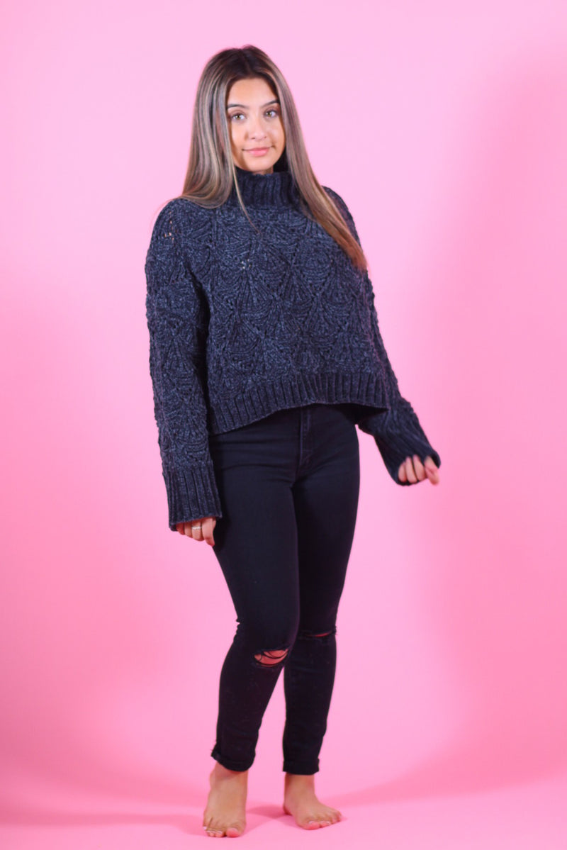 Cropped Turtleneck Pullover Sweater
