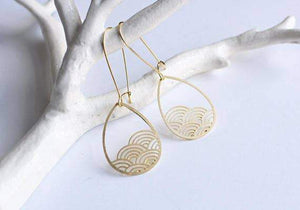 A Tea Leaf Jewelry - Raindrop Cloud Earrings | Brass