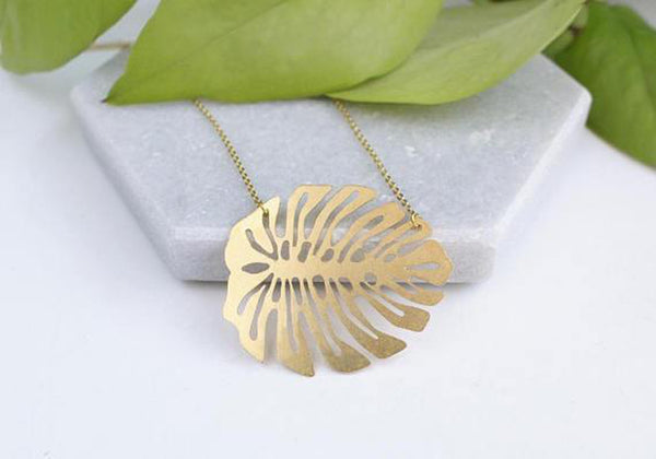 A Tea Leaf Jewelry - Monstera Leaf Necklace | Brass