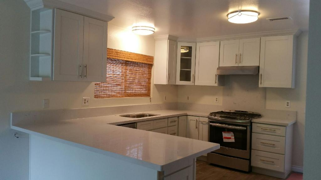 White Shaker 6 - Kitchen Cabinets, kitchen cabinets for sale, kitchen cabinets near me, las vegas kitchen cabinets, buy kitchen cabinets, where can I buy kitchen cabinets, best kitchen cabinets, kitchen cabinets wholesale