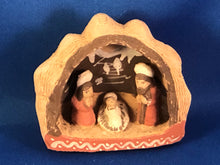 Load image into Gallery viewer, Christmas Creche