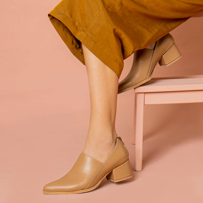 Envelope- Beige Leather Heel Shoe