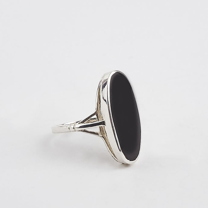 Whitby Jet Large Oval Ring
