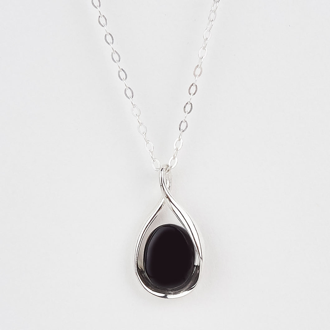 Whitby Jet Small Oval Twist Pendant