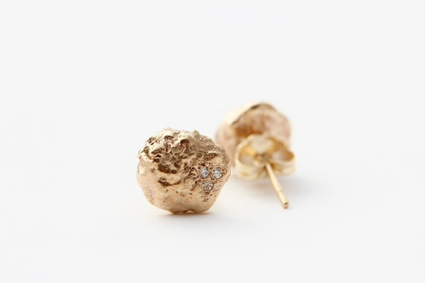 14k Yellow gold studs with six white diamonds