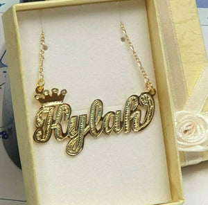 Single name plate necklace