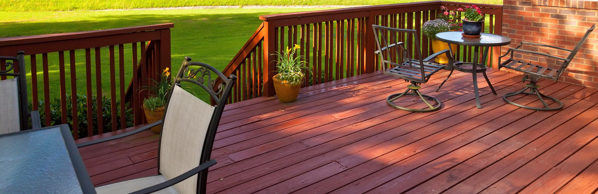 How to Choose the Right Deck Stain