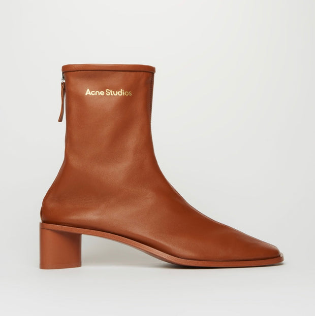 ACNE STUDIO / 아크네 스튜디오 앵클부츠 브라운 Branded leather boots brown