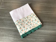 Load image into Gallery viewer, Tiny Flowers Crochet Kitchen Bar Mop Towel