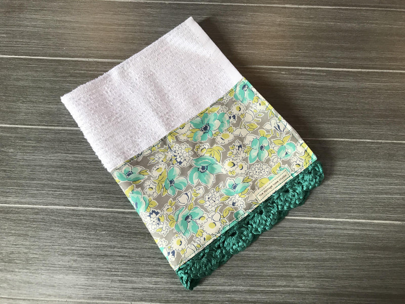 Vintage Chic Flower Garden Crochet Kitchen Bar Mop Towel