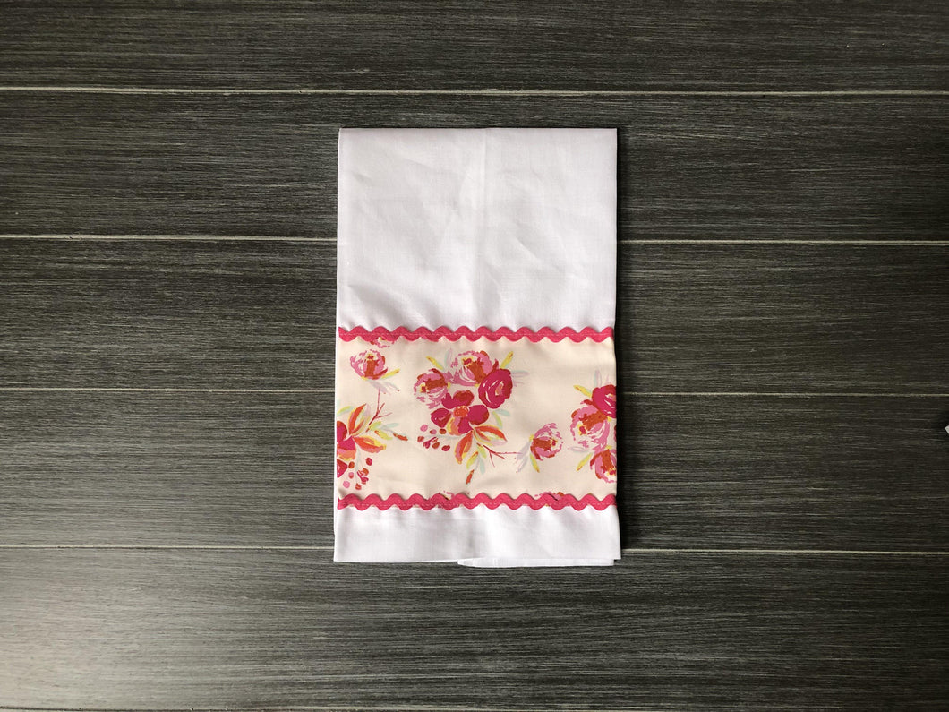 Corsage Charm Pink on White Linen Guest Towel