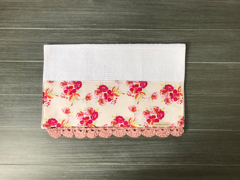 RETIRING Corsage Charm Pink Crochet Kitchen Bar Mop Towel