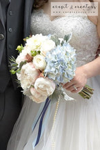 Load image into Gallery viewer, Blue White Bouquet