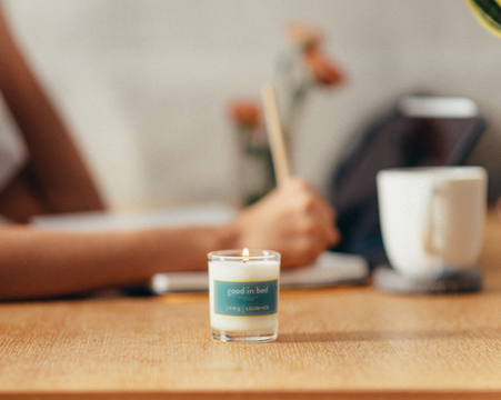 'Good in Bed' Candle