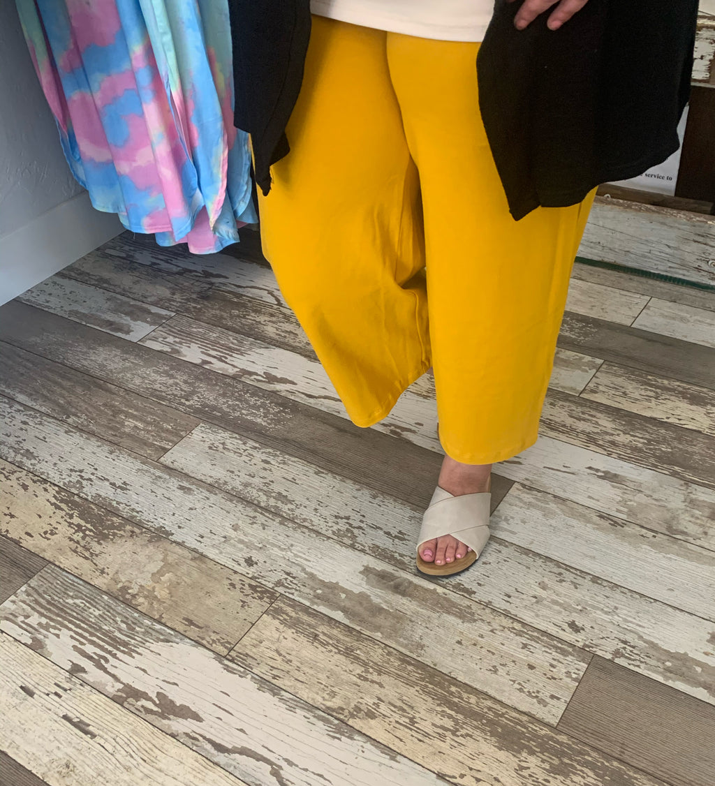 Mustard Yellow Capri yoga pants plus