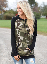 Load image into Gallery viewer, Women's Long Sleeve Camouflage Printed Hoodie