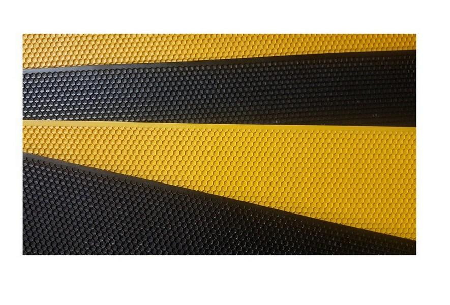 20x Plastic Foundation Sheets - Black or Yellow,Beekeeping,beekeeping gear,oz armour