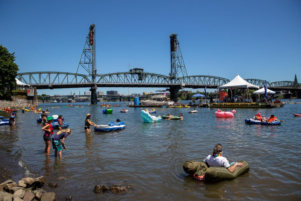 Willamette River paddle boarding portland