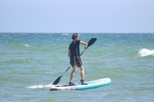 Beginner paddle boarding tips
