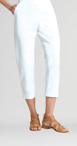 Techno Loose Pull On Capri w/ Pockets - White