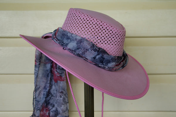 Kakadu STROLLER SOAKA HAT in fun colors