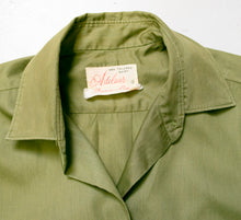 Load image into Gallery viewer, 1950s Blouse Cotton Green Long Sleeve Top M