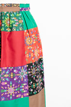 Load image into Gallery viewer, 1970s QUILTED Patchwork 1970s Maxi Skirt XS