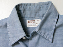 Load image into Gallery viewer, 1970s Men's Shirt Short Sleeve Chambray S