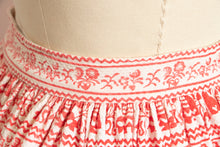Load image into Gallery viewer, 1950s Full Skirt Cotton Folk Printed 50s XS Petite