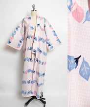 Load image into Gallery viewer, 1980s Kimono Floral Printed Cotton Japanese Robe 80s