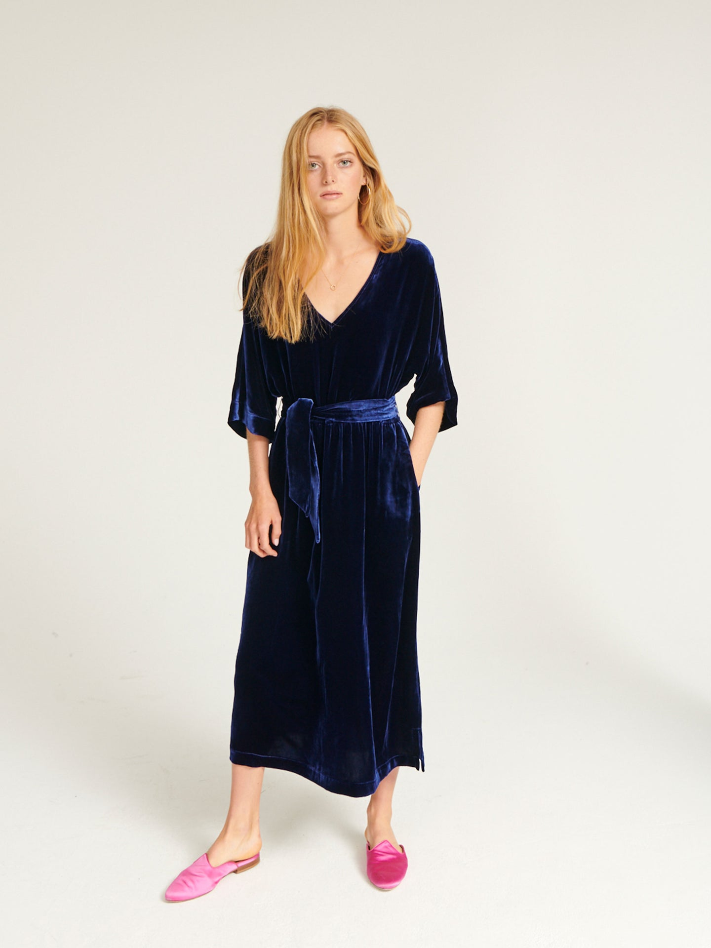 Zaza velvet v neck dress