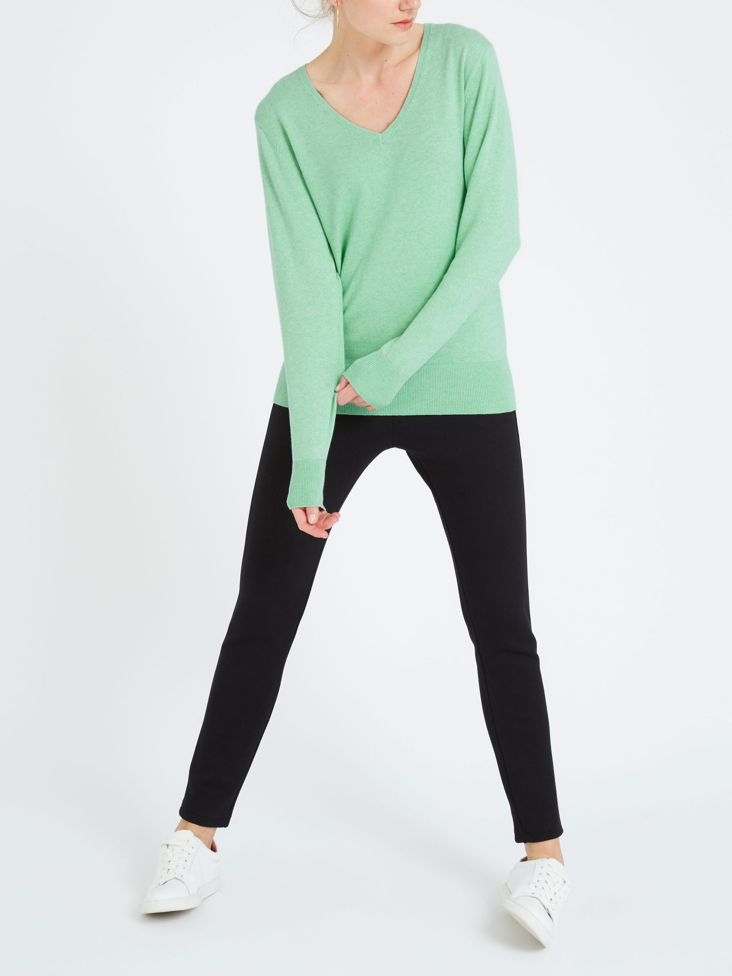 Lulu cotton cashmere v neck sweater green