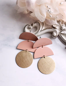 horizon earrings - blush