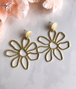 flower power earrings - brushed brass