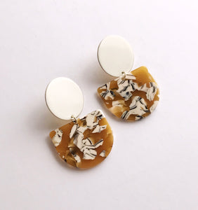 valley earrings - milk / mustard safari