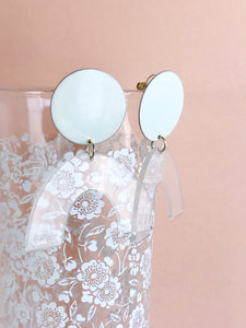 sydney earrings - lily / clear