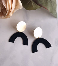 moon rising earrings - black