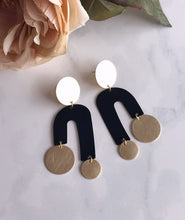 manhattan earrings - black