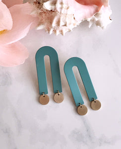 arco earrings - sage