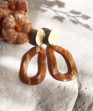 dali earrings - caramel