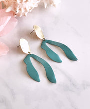 sprout earrings - sage