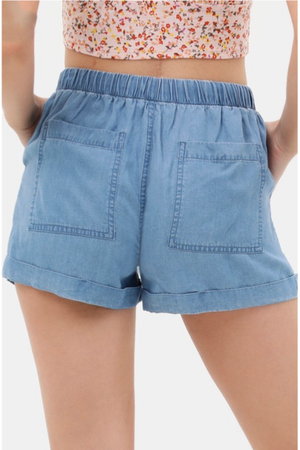 Summer Days Shorts in Light Blue
