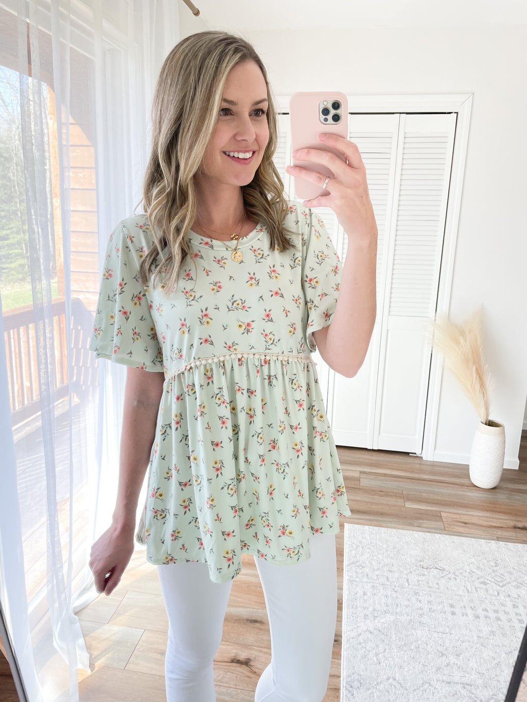 The Callie Floral Babydoll Top in Mint