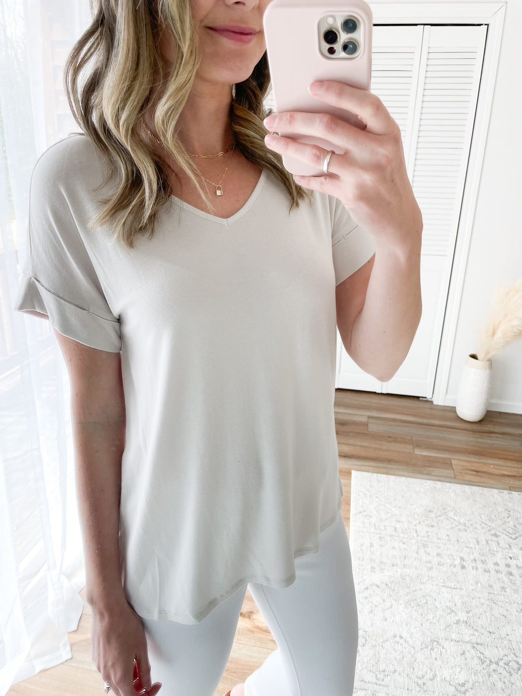 Everyday V Neck Tee in Bone / Deal of the Week / Final Sale
