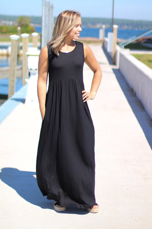 The Summer Staple Maxi in Black